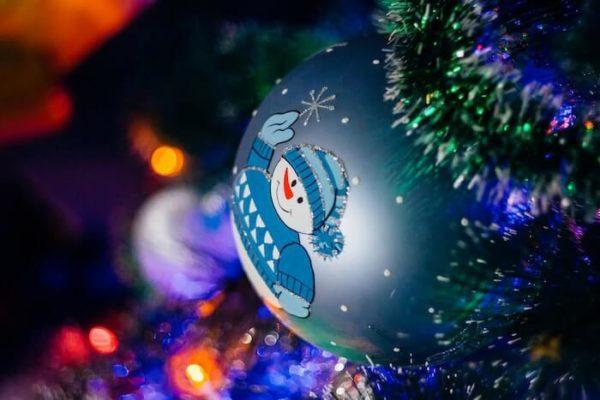 クリスマスツリーのボール