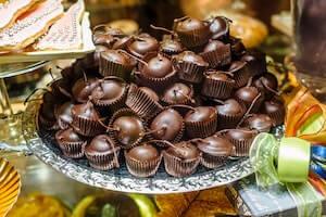 店頭に並ぶチョコレート