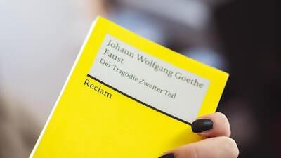 黄色いカード