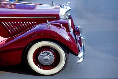 ボルドーのクラシックカー