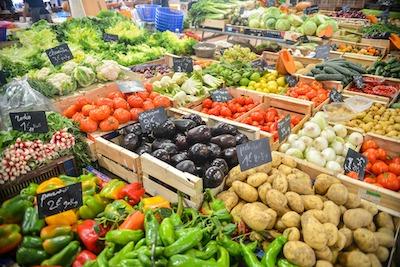 市場の野菜売り場