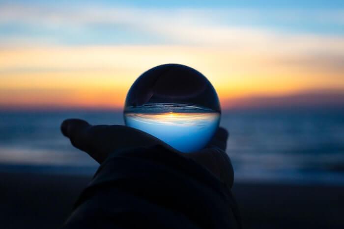 未来を占う水晶