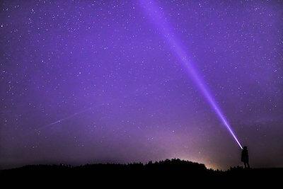 紫がかった夜空
