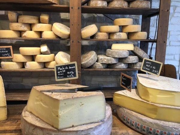 チーズ屋の店頭