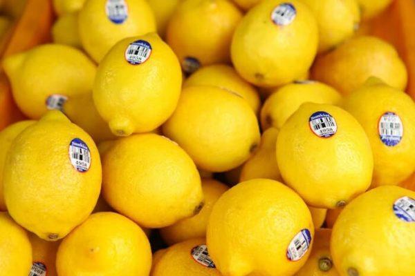 山積みのレモン