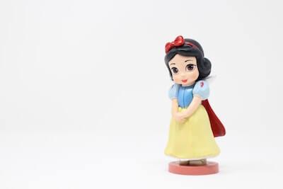 白雪姫の人形