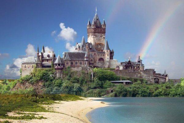 古城にかかる虹