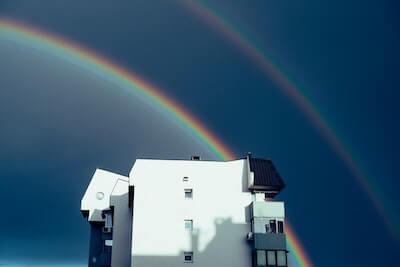 青空にかかる虹