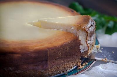 ホールのチーズケーキ