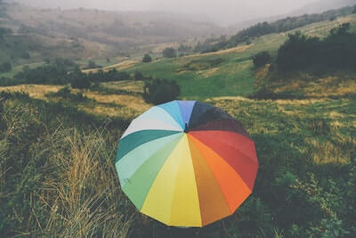 七色のワンタッチ式傘
