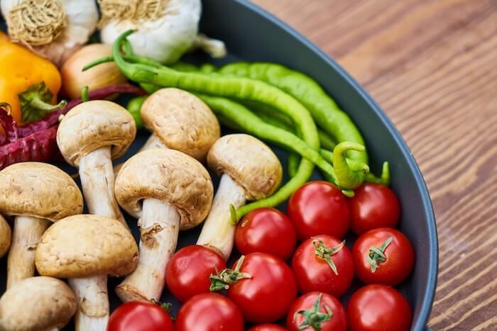 キノコと野菜の食材