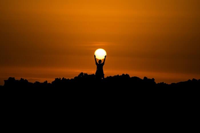 夕焼けの太陽