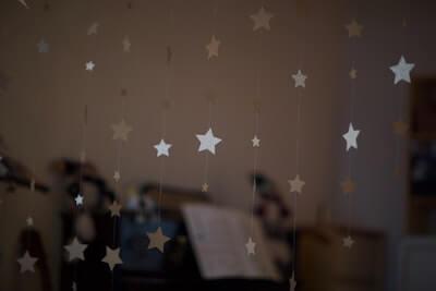 部屋に星を散りばめる