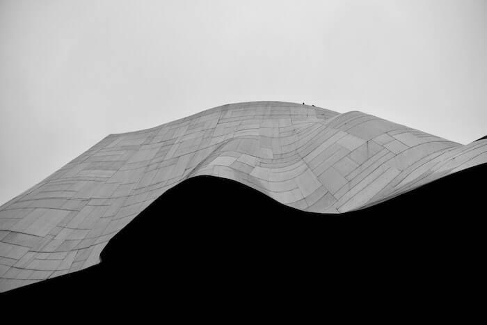 波状の建築物