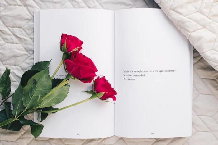 3本の赤いバラ