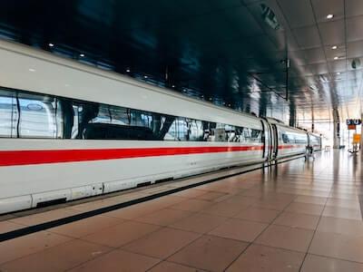 超特急列車の車両