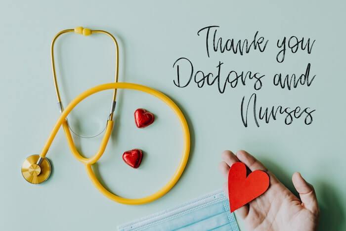 聴診器とお医者さんへの感謝のメッセージ
