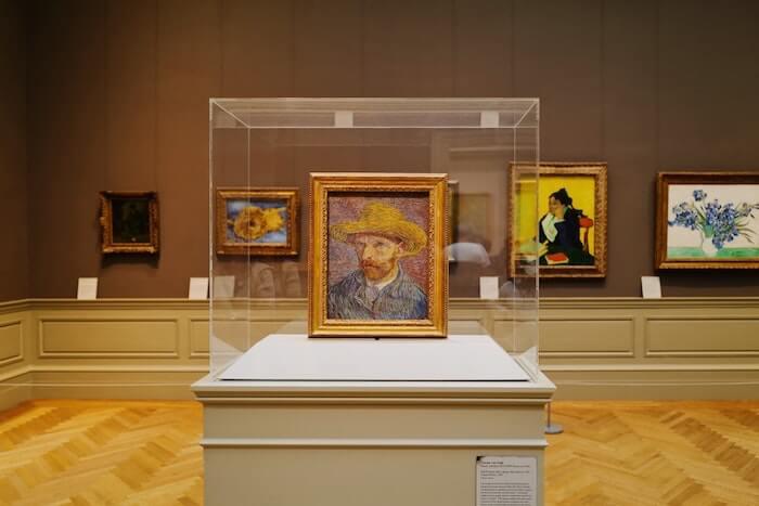 ゴッホの自画像の展示