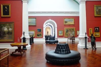 美術館の屋内