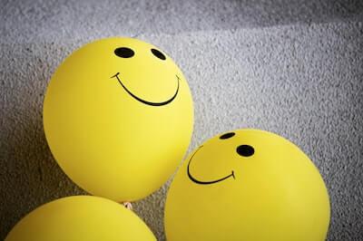 笑顔マークの風船