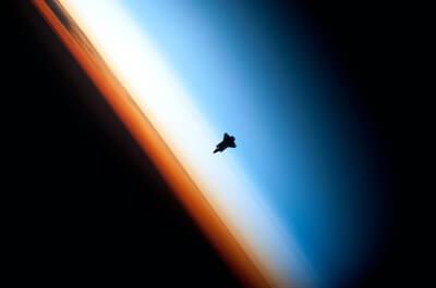 大気圏突入する宇宙船