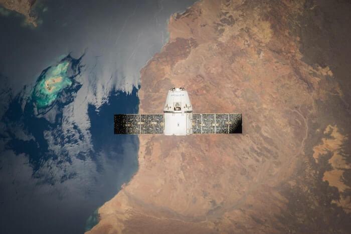 人工衛星から見た地球