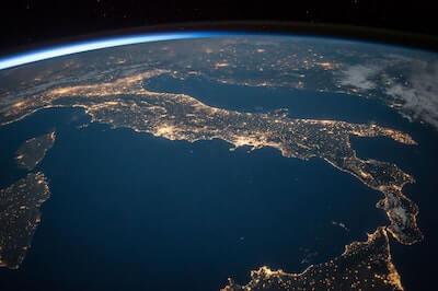 宇宙から見たイタリア